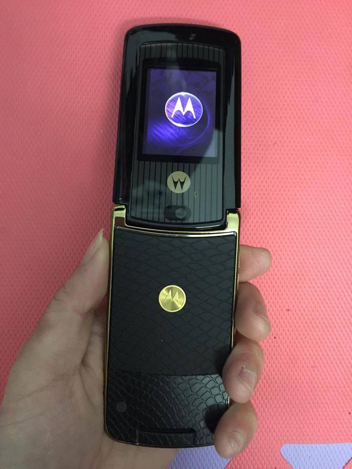 Điện Thoại Motorola V8Luxury Edition Gold chính hãng tồn kho - 2