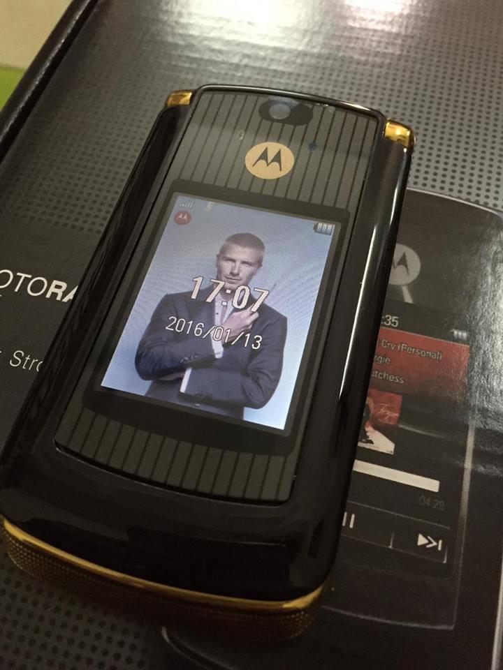 Điện Thoại Motorola V8Luxury Edition Gold chính hãng tồn kho