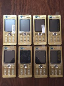 Điện thoại cổ sony Ericsson vang bóng 1 thời vẫn còn bán ở Việt Nam